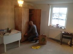 Tag 1: Die Möbel bekommen einen neuen Look!